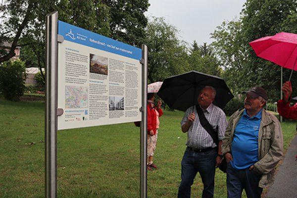 Historisches und Wissenswertes zu den Stadtteilen ist u. a. auf den Infotafeln zu finden.