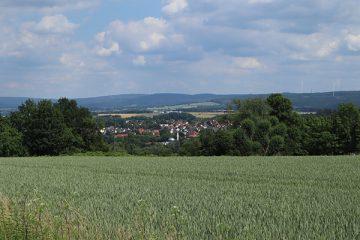 Ausblick oberhalb von Nordshausen auf Oberzwehren und die Söhre.