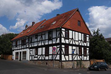 Der Fachwerkbau am Klosterhof stammt aus dem 18. Jh.