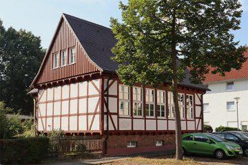 Die ehemalige Fachschule des Deutschen Zimmerhandwerks in der Quiddestraße.
